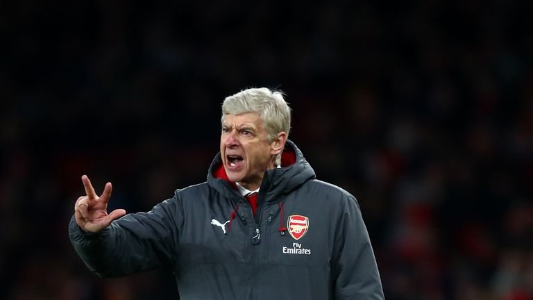 LONDON, ENGLAND - JANUARY 20:  Arsene Wenger, Manager of Arsenal reacts during the Premier League match between Arsenal and Crystal Palace at Emirates Stad