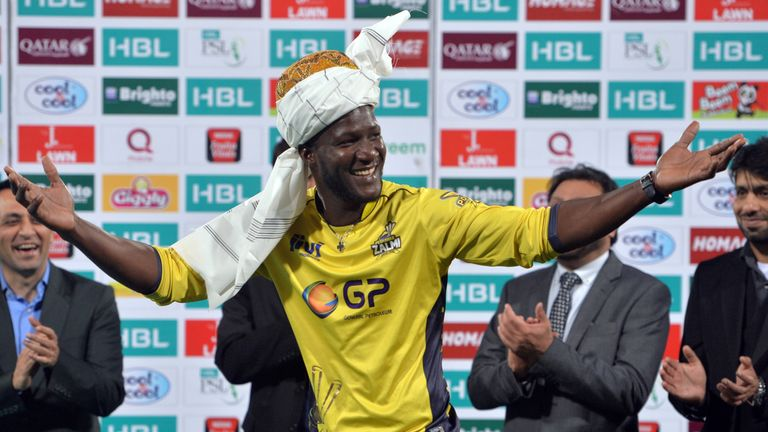 Peshawar Zalmi captain Darren Sammy celebrates his team's tournament victory in 2017