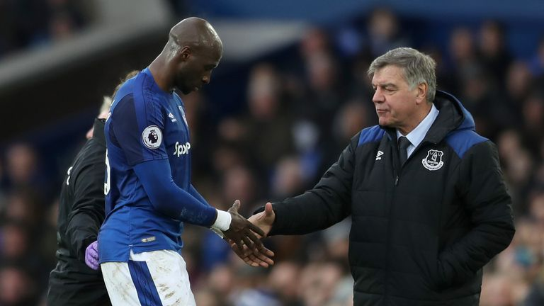 LIVERPOOL, ENGLAND - FEBRUARY 10: Eliaquim Mangala of Everton leaves the pitch injured and shakes Sam Allardyce's hand during the Premier League match betw