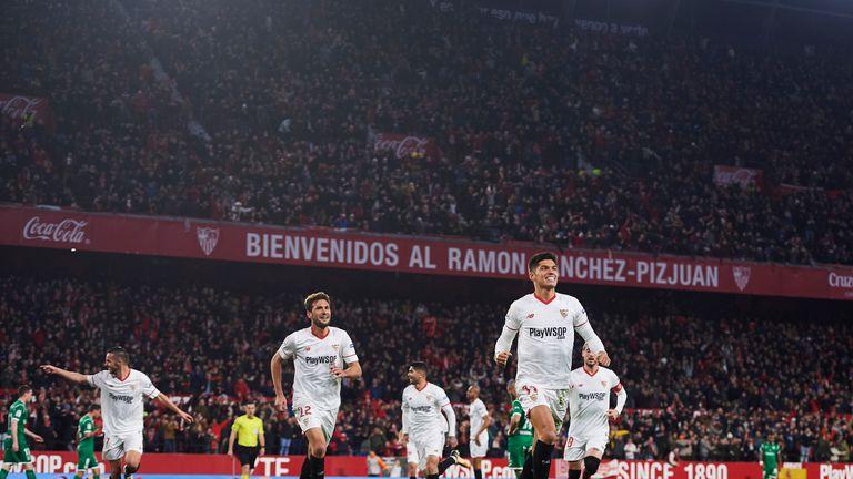 SEVILLE, SPAIN - FEBRUARY 07:  Joaquin Correa of Sevilla FC celebrates after scoring goal during the Copa del Rey semi-final second leg match between Sevil