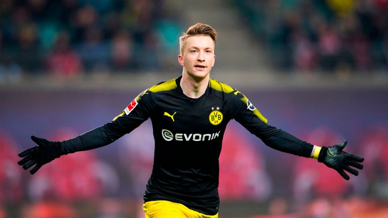 Marco Reus signs new Dortmund deal until 2023
