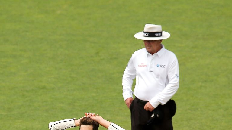 New Zealand v England: Black Caps recall wicketkeeper Watling for Test series