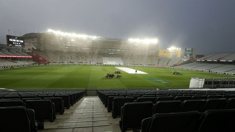 Rain disrupts second day as New Zealand increase lead