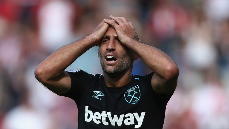 Is Zabaleta the worst dressed at the West Ham?
