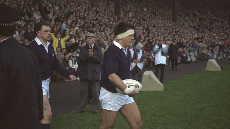 David Sole leads Scotland out at Murrayfield to face England with everything on the line