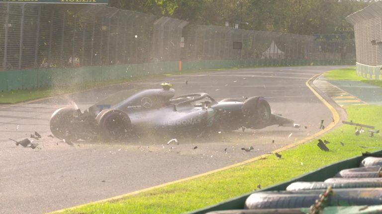 Valtteri Bottas crashes during Q3 at the Australian Grand Prix.