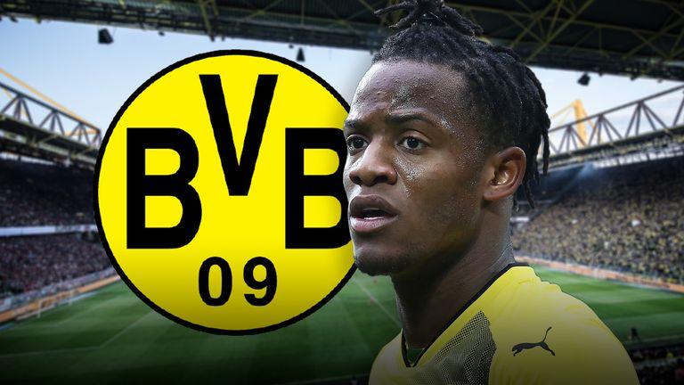 Michy Batshuayi of Borussia Dortmund