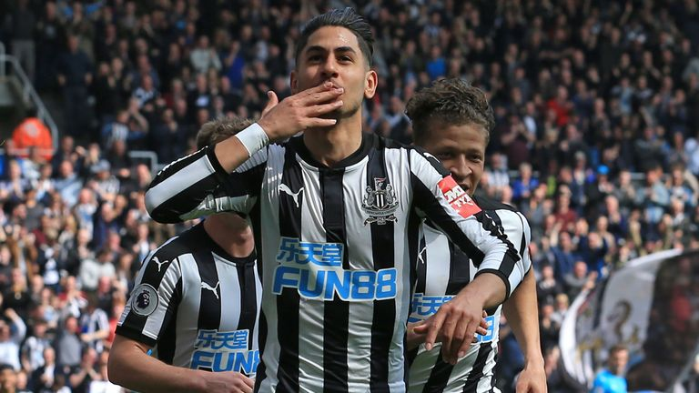Rafa Benitez Reacts to Islam Slimani's Full Newcastle United Debut