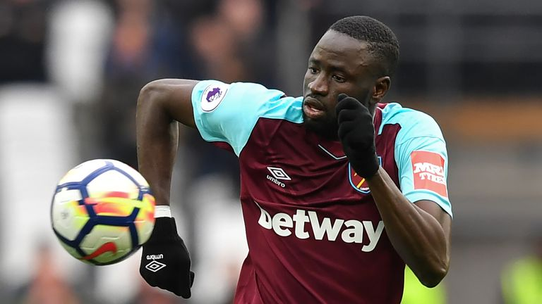 West Ham are prepared to let midfielder Cheikhou Kouyate leave the club before the August 9 deadline