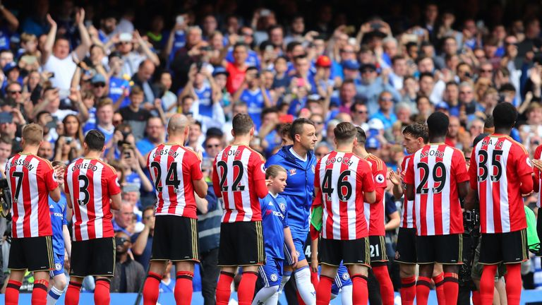 Guard of honour during the Premier League match between Chelsea and Sunderland at Stamford Bridge on May 21, 2017 in London, England.