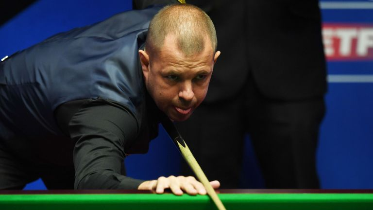 Barry Hawkins crushed third seed Ding Junhui