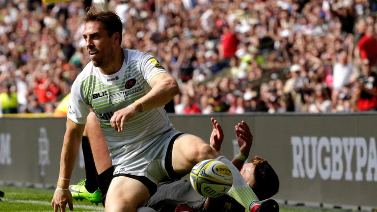 Chris Wyles scored twice in his final professional game as Saracens ran out victorious