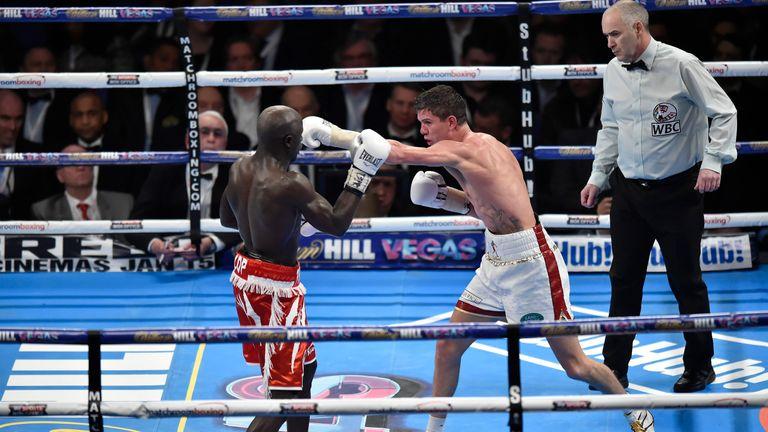 Luke Campbell in action against Yvan Mendy