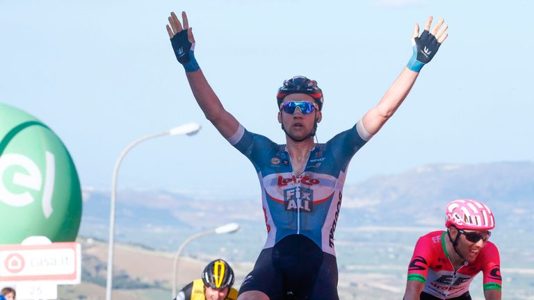 Wellens wins Giro fourth stage as Froome loses time