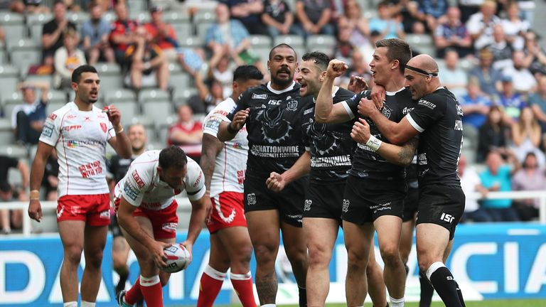 Hull FC's Jamie Shaul celebrates scoring their fourth try against Hull KR