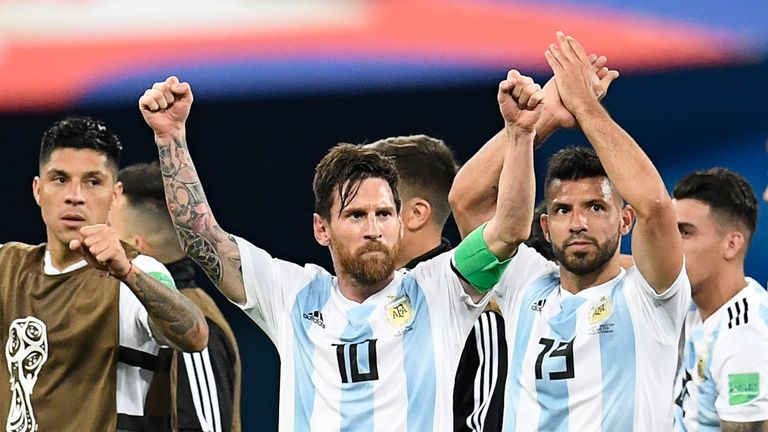 Argentina left it late to qualify for the last 16 of the World Cup