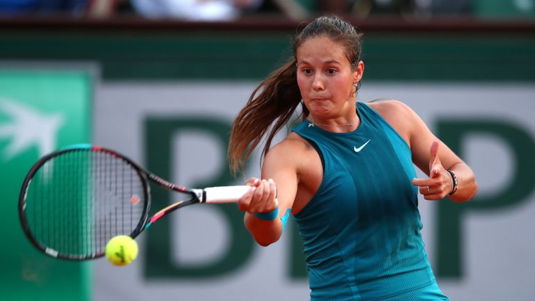 Kasatkina holds advantage as bad light stops Wozniacki clash
