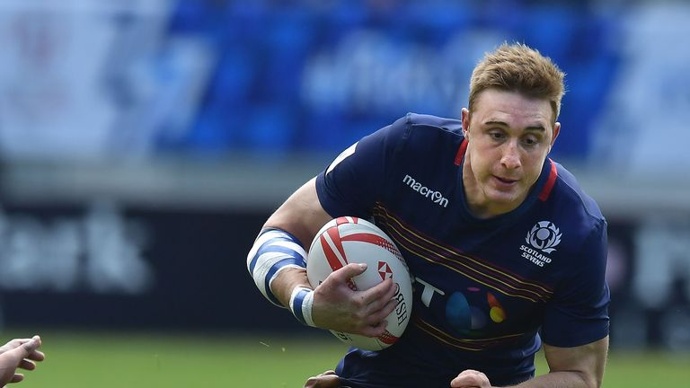 Edinburgh winger Dougie Fife has been added to the Scotland squad to replace Lee Jones