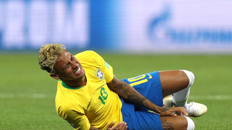 Brazil's coach unleashes 'injured' Neymar on Costa Rica