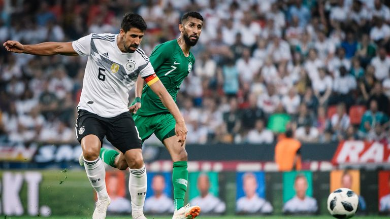Lacklustre Germany beat Saudi Arabia 2-1