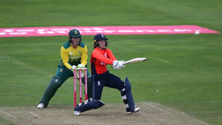 England and Kiwis shatter women's T20 record against S