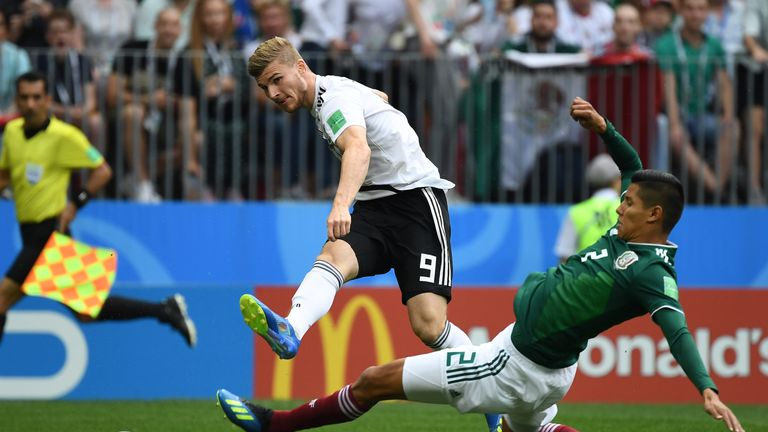 Kroos scores late to give Germany 2-1 win over Sweden