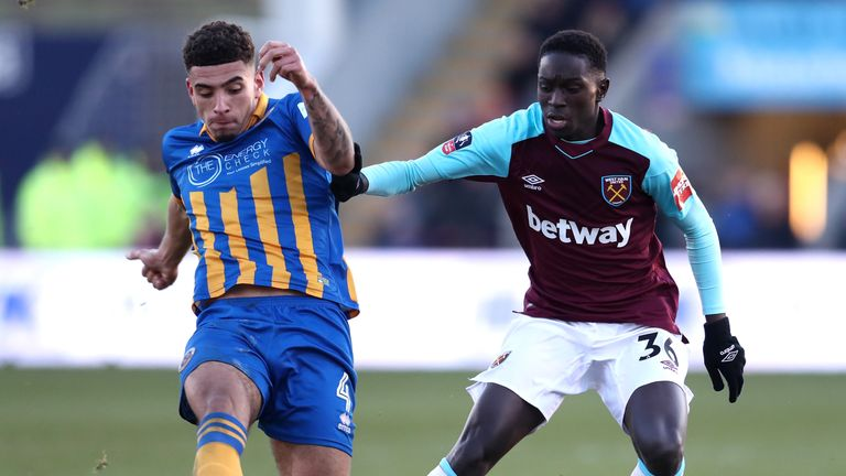 Domingos Quina in action for West Ham