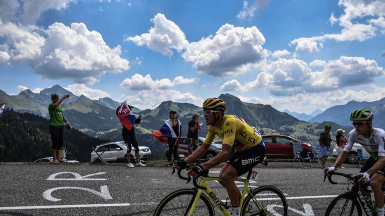 Thomas takes stage win and yellow jersey on Tour de France