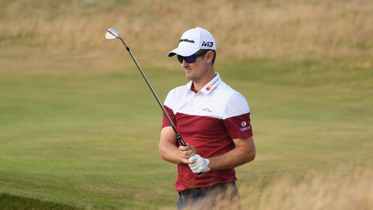 Woods shoots 66, Simpson in contention at British Open