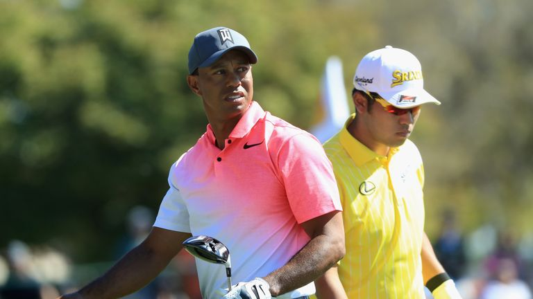 Carnoustie latest scores as Rose goes low and Tiger makes move