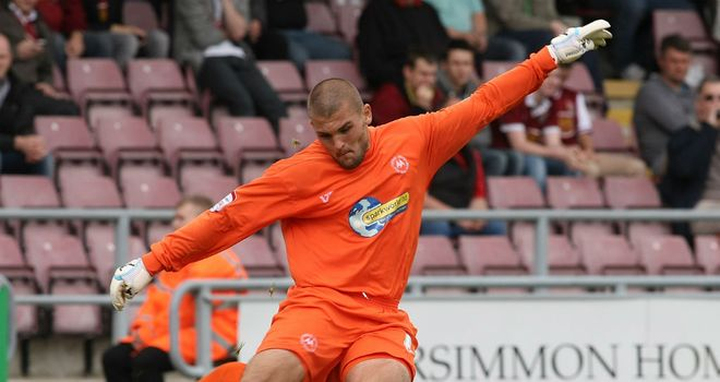 Olejnik: Extends stay at Plainmoor