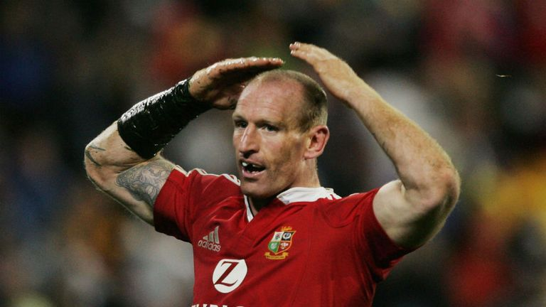 Former Wales captain Gareth Thomas victim of homophobic assault in Cardiff