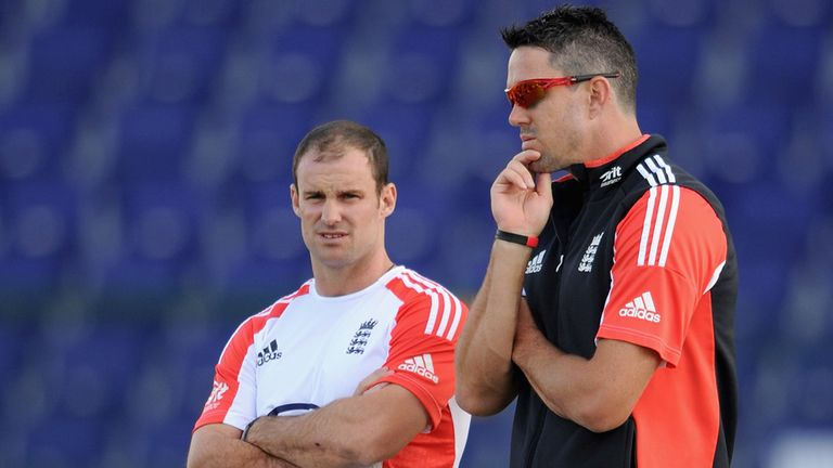 Kevin Pietersen (R) proved to be a distraction during Andrew Strauss' final series in charge of England