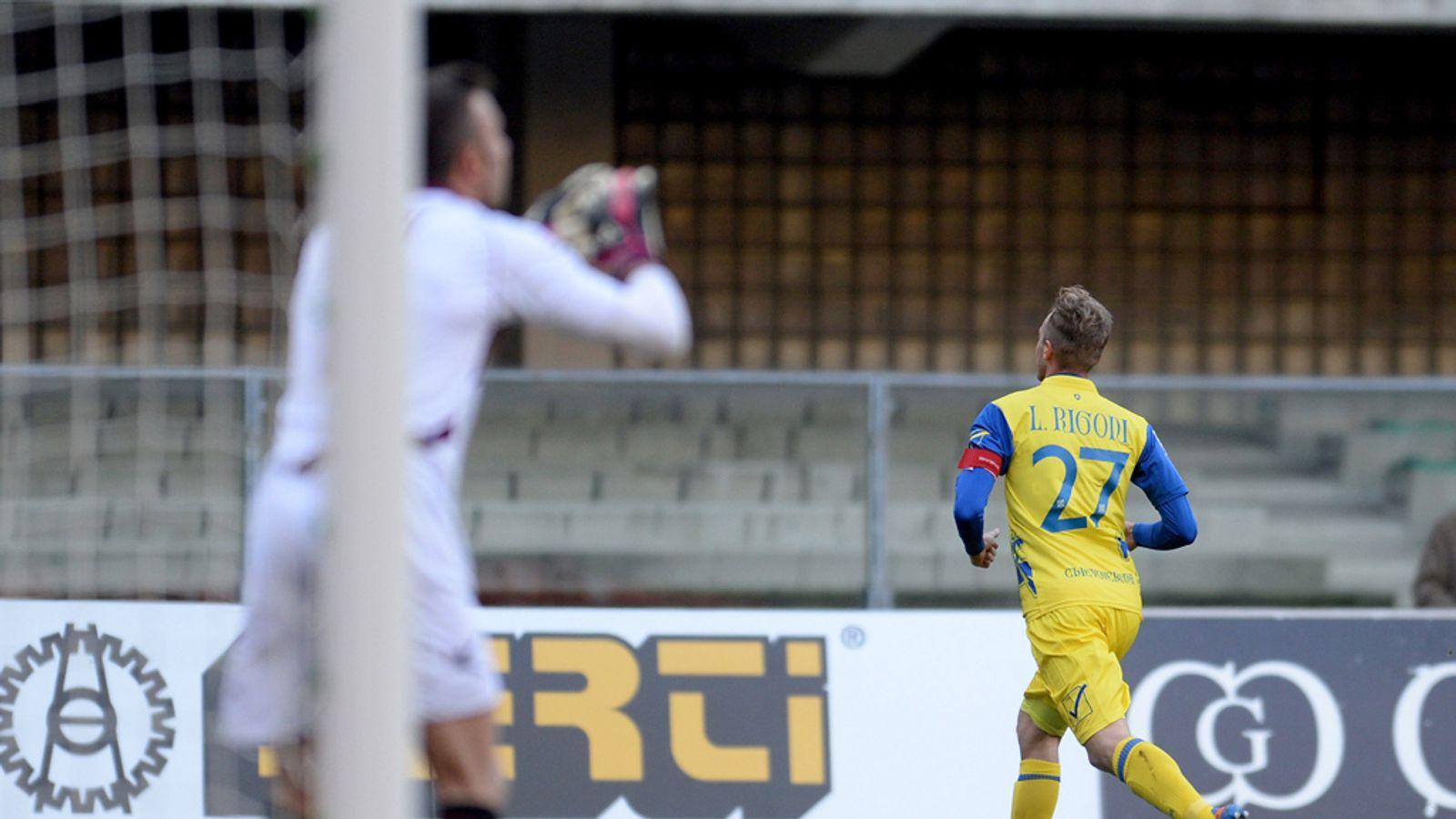 Chievo 3 - 0 Livorno - Match Report & Highlights