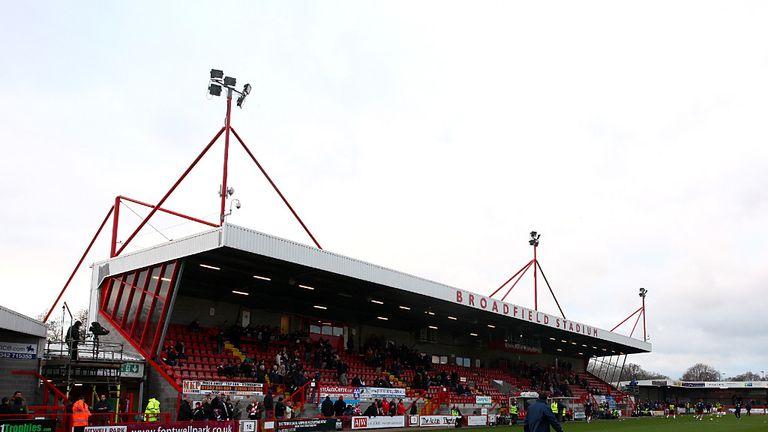 Crawley: Appeal Simon Walton's red card