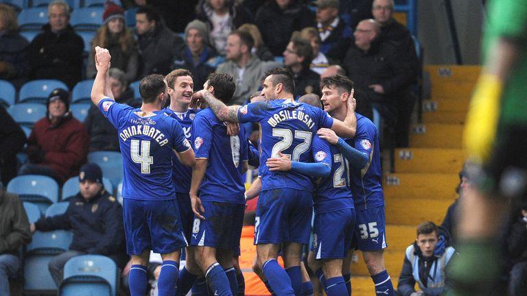 David Nugent (r): Celebrates the winner with his team-mates