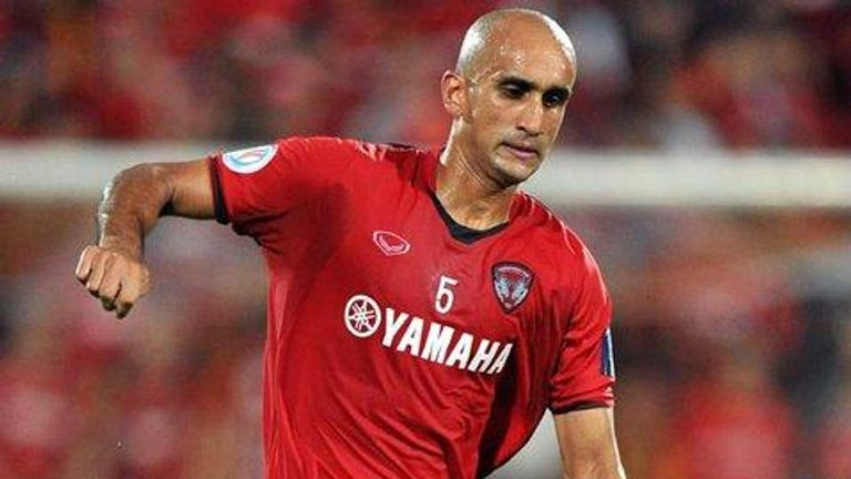 Zesh Rehman playing for Muangthong United in Thailand