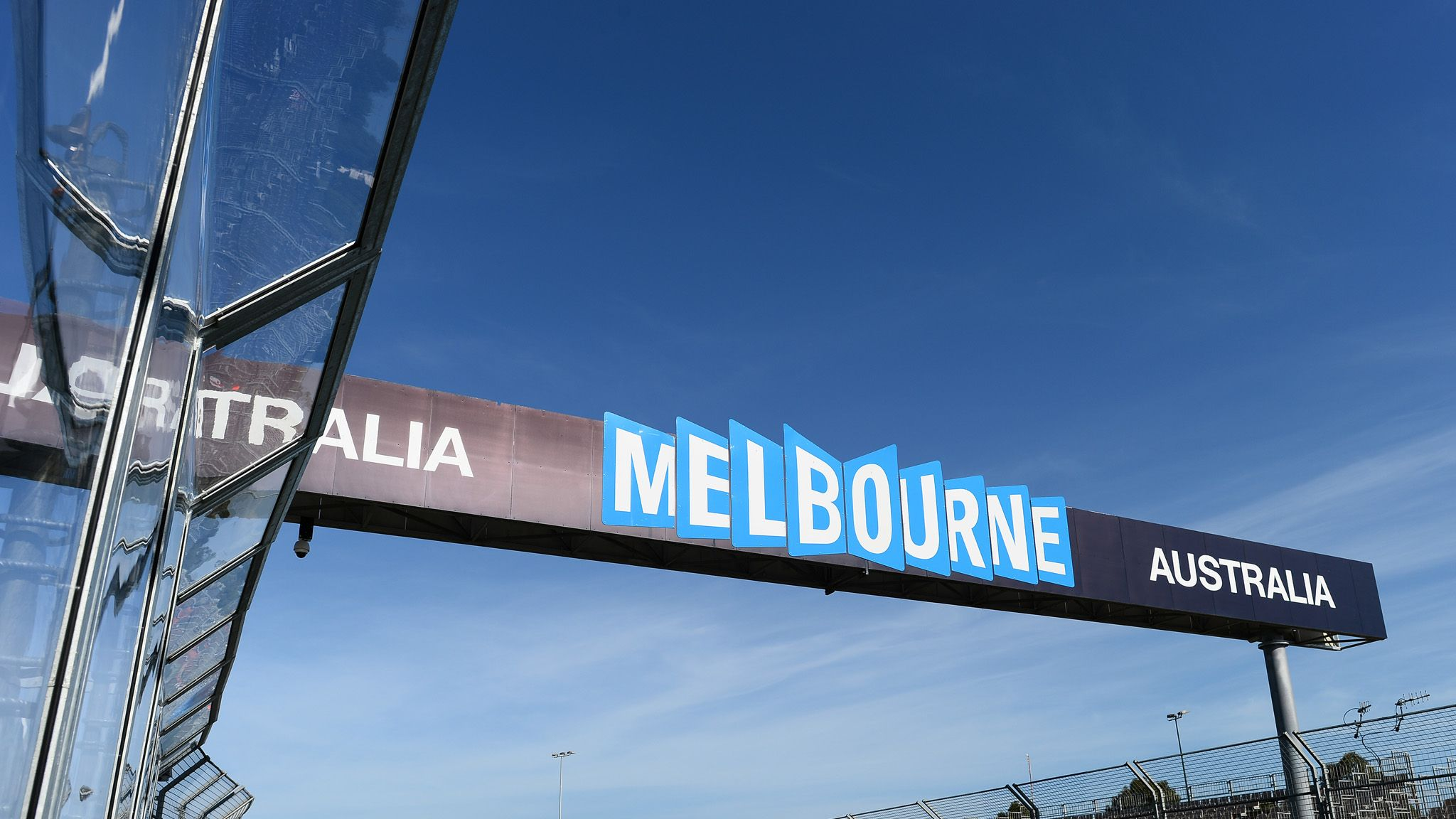 Australian GP to stay at Melbourne's Albert Park until the