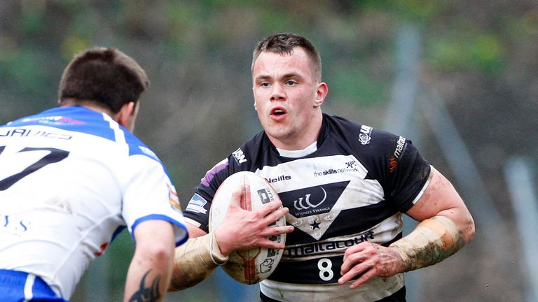 Eamon O'Carroll: Extended his stay at Widnes for another two years