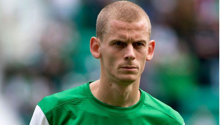 Scott Robertson: Hibernian midfielder back in training
