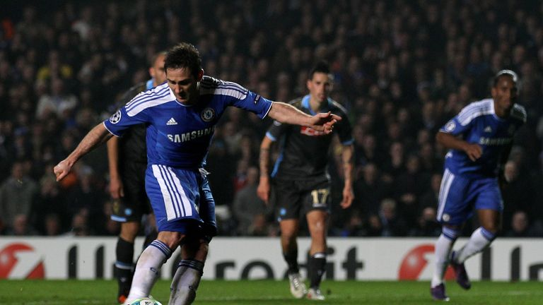 Lampard scores a penalty in the second-leg victory over Napoli