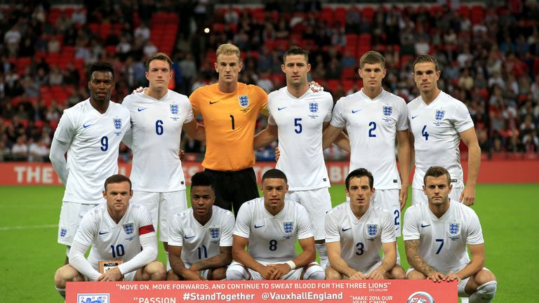The England players pose for a team photo before kick-off