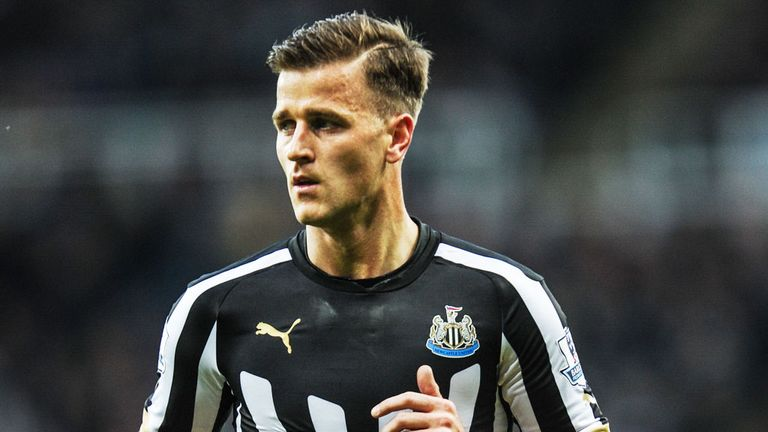Ryan Taylor: Newcastle midfielder looking for new club as well