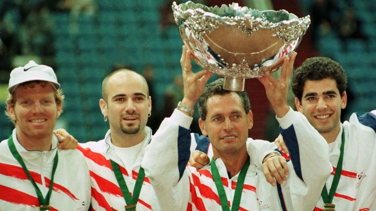 USA captain Jim Courier (l) twice won the Davis Cup as a player