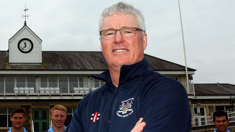 John Bracewell delighted to have Chaminda Vaas on board