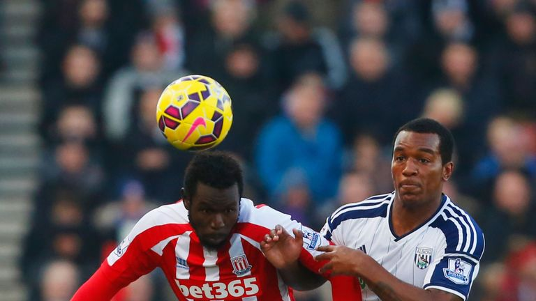 Mame Biram Diouf battles with Andre Wisdom