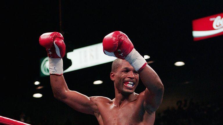 Hopkins celebrates after knocking out De La Hoya
