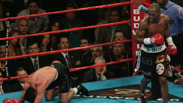 Oscar de la Hoya: was finished by a bodyshot that surprised us all