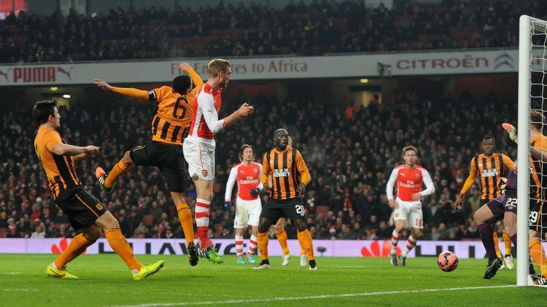 Mertesacker: Heads Arsenal in front