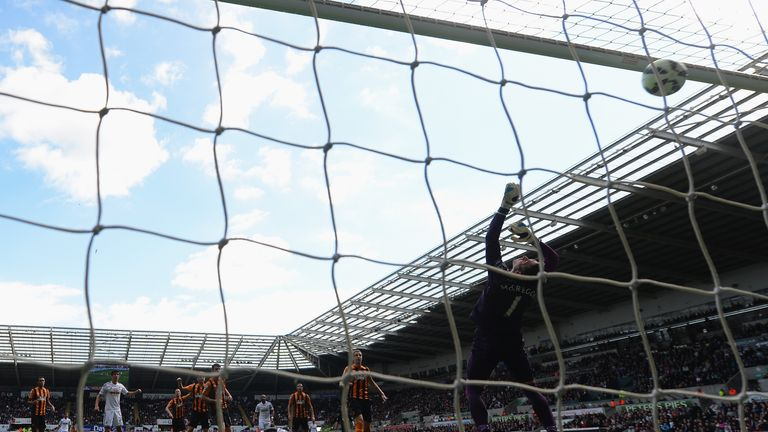 Bafetimbi Gomis: Brilliantly scored Swansea's second